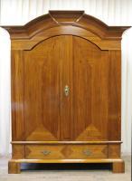 barocker-giebelschrank-barock-um-1750-mahagoni-2316