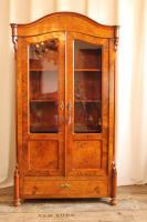 vitrine-wurzelholz-historismus-1114
