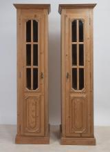 2 Säulenschränke
