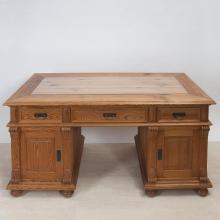 Schreibtisch Gründerzeitstil