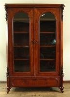 vitrinenschrank-louis-philippe-gefertigt-um-186-mahagoni-auf-eiche.-3068